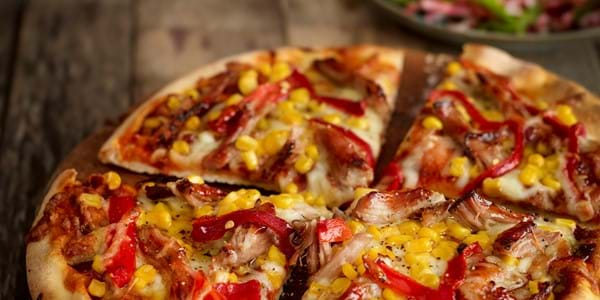 Leftover Pulled Pork Pizza With Peppers